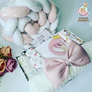מארז לידה – מתנה ליולדת דגם פלמינגו ורוד